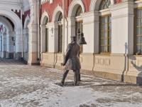 Yekaterinburg, sculpture Станционный смотрительVokzalnaya st, sculpture Станционный смотритель
