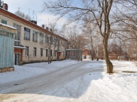 叶卡捷琳堡市, Lechebny alley, 房屋 17Б. 公寓楼