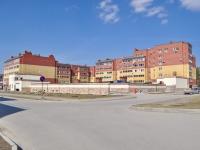 Екатеринбург, улица Краснолесья, дом 49. многоквартирный дом