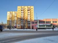 соседний дом: ул. Старых Большевиков, дом 82/1. многоквартирный дом