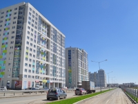 Yekaterinburg, Pavel Shamanov st, house 28. Apartment house