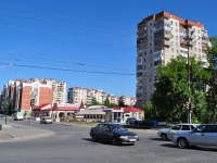 Yekaterinburg, Il'icha st, house 43. Apartment house
