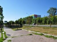 """叶卡捷琳堡市, 购物中心 """"ЭМА"""", Verkh-Isetsky Blvd, 房屋 13"""
