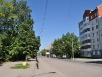 neighbour house: st. 40 let Oktyabrya, house 42/2. Apartment house