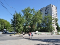 neighbour house: st. 40 let Oktyabrya, house 56. Apartment house
