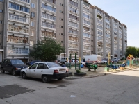 neighbour house: st. 40 let Oktyabrya, house 73. Apartment house