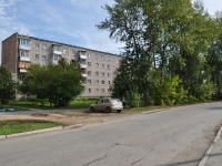 neighbour house: st. Novatorov, house 6. Apartment house