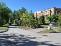 neighbour house: st. Krasnykh Partizan, house 3. Apartment house