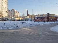 Yekaterinburg, st Voykov, house 6. garage (parking)