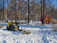 Берёзовский, улица Строителей. памятник Пушка