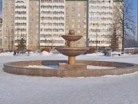 Верхняя Пышма, фонтан на улице Орджоникидзеулица Орджоникидзе, фонтан на улице Орджоникидзе