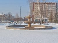 Верхняя Пышма, улица Орджоникидзе. фонтан на улице Орджоникидзе