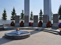 Verkhnyaya Pyshma, 纪念碑 участникам погибшим в Великой Отечественной ВойнеLenin st, 纪念碑 участникам погибшим в Великой Отечественной Войне
