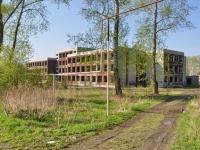 Первоуральск, улица Сакко и Ванцетти. неиспользуемое здание