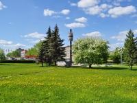 Первоуральск, стела в честь основания Первоуральского новотрубного заводаулица Вайнера, стела в честь основания Первоуральского новотрубного завода