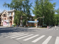 Pervouralsk, Il'icha st, house 27. Apartment house