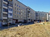 Полевской, Зелёный Бор-2 микрорайон, дом 1. многоквартирный дом