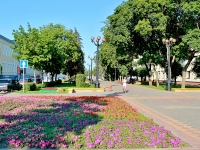 Тамбов, улица Октябрьская, дом 11. многофункциональное здание