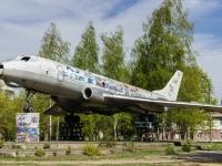 Коммунистический 2-й переулок. памятник Самолёту Ту-104
