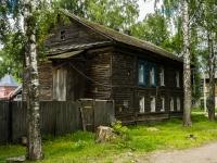 Осташков, Адрианова переулок, дом 48. многоквартирный дом