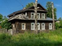 Ostashkov, st Oktyabrskaya, house 14. Apartment house