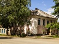 Ostashkov, st Rabochaya, house 12. Apartment house