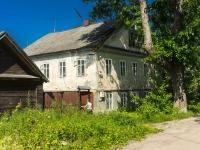 Ostashkov, st Uritsky, house 68. Apartment house