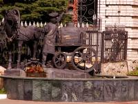 , Ostrovsky st, 纪念碑