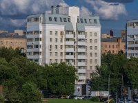 , embankment Krasnoholmskaya, house 3. Apartment house