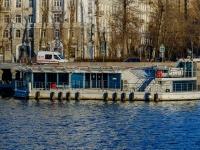 , embankment Krasnoholmskaya. harbor