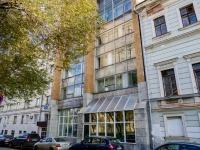 Хамовники район, улица Льва Толстого, дом 5 с.2. офисное здание