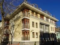 Якиманка, Кадашевский 3-й переулок, дом 4. многоквартирный дом