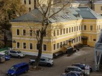 Якиманка, набережная Берсеневская, дом 16 с.9. офисное здание