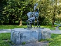 улица Новопесчаная. скульптура «Олень с оленёнком»