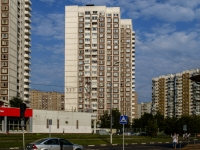 ,  , house 104. 公寓楼