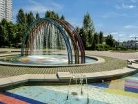 """улица Южнобутовская. фонтан """"Летние дожди"""""""