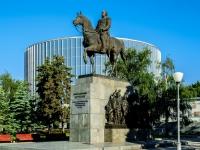 проезд Кутузовский. памятник М.И. Кутузову