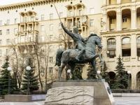 Кутузовский проспект. памятник полководцу П.И. Багратиону
