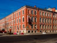 Василеостровский район, улица 1-я линия В.О., дом 2. многоквартирный дом