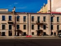 Василеостровский район, улица 1-я линия В.О., дом 16. многоквартирный дом
