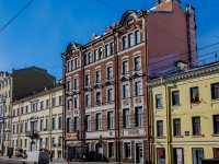 Василеостровский район, улица 1-я линия В.О., дом 42. многоквартирный дом
