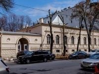 Василеостровский район, улица 4-я линия В.О., дом 15. офисное здание