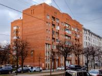 , st 16-ya liniya v.o., house 17. Apartment house