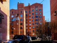 , st 16-ya liniya v.o., house 23 к.2. Apartment house