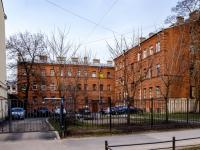 Василеостровский район, улица 19-я линия В.О., дом 4. многоквартирный дом