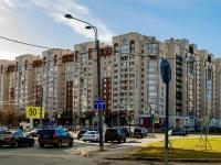 , st Nakhimov, house 11. Apartment house