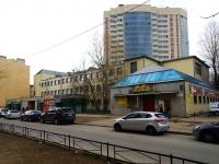 улица Александра Матросова, дом 20. многофункциональное здание