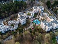 , st Komsomolskaya (g.zelenogorsk), house 10. Apartment house