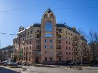 Петроградский район, Чкаловский проспект, дом 30. многоквартирный дом