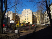 Петроградский район, улица Петрозаводская, дом 16. многоквартирный дом
